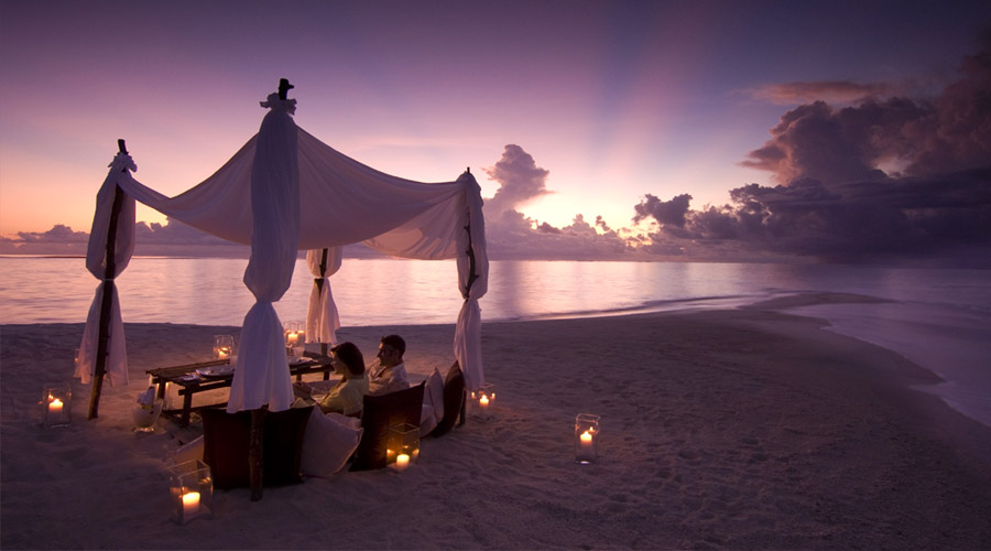 Conrad Maldives Rangali Island - Private Beach Dining
